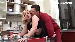 Gardener seduced by mature blonde for a excellent drill in the kitchen