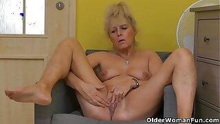 Euro grandmother Koko rubs her old cunt