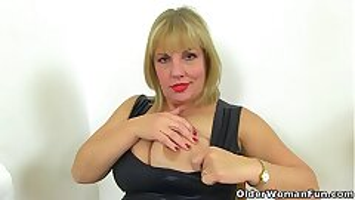 English milf Lelani fuck stick fucks her insane fanny